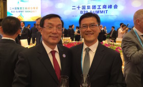 Hangzhou Mayor Zhang Hongming & Jason Ma (My honor Mayor Zhang invited me to sit next to him & we drank together during the Gala Dinner of the B20 Summit held in his city)
