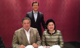 H. E. Susilo Bambang Yudhoyono, former President of Indonesia, former First Lady of Indonesia, & Jason Ma